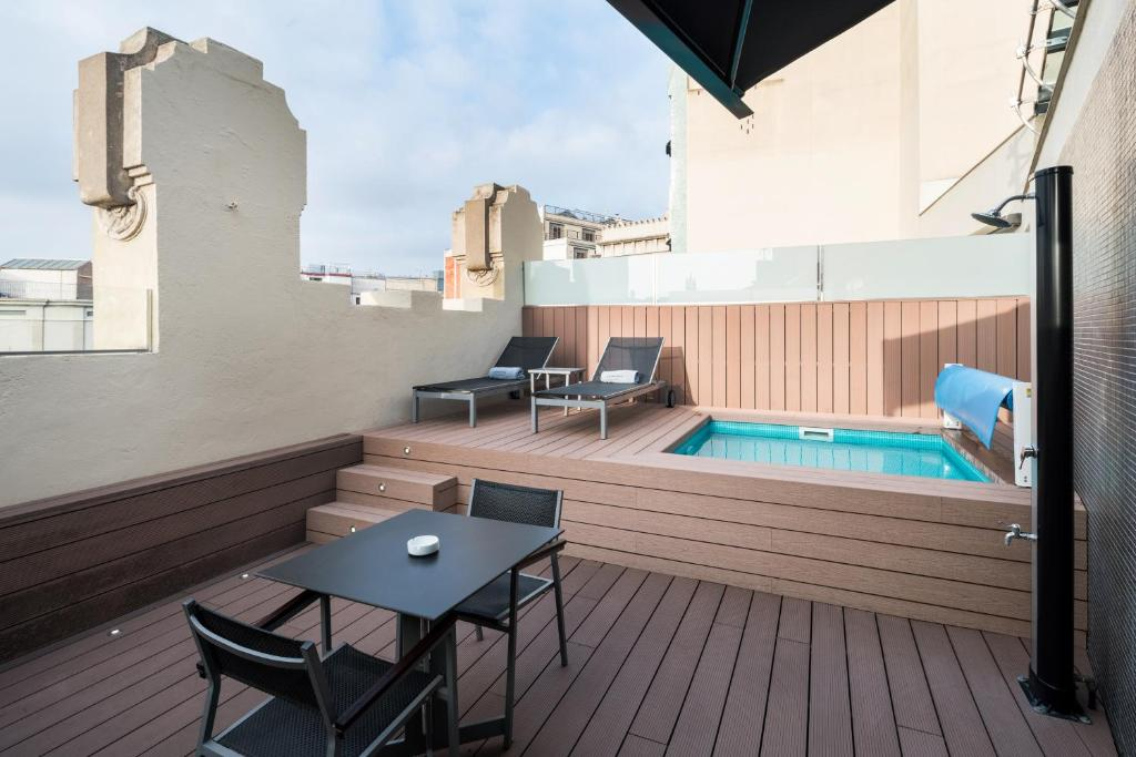 catedral hotel piscina habitacion