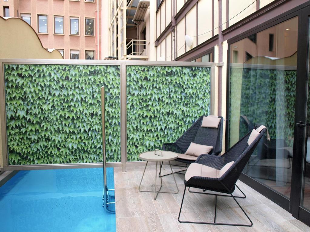 hotel catalonia plaza cataluña con piscina privada