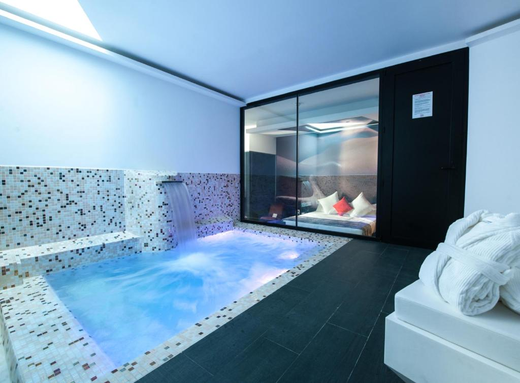 hoteles con piscina privad madrid loob