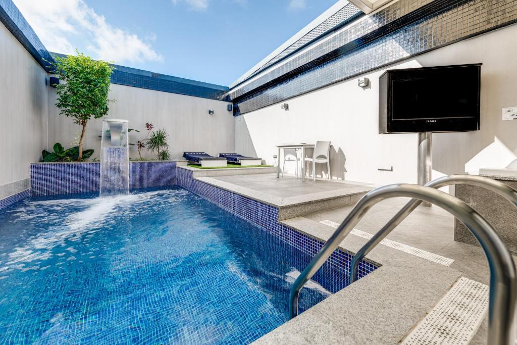 hotel con piscina privada zouk madrid